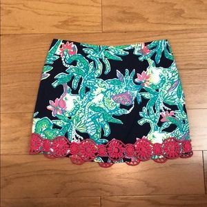 Lilly Pulitzer patterned mini skirt size 2